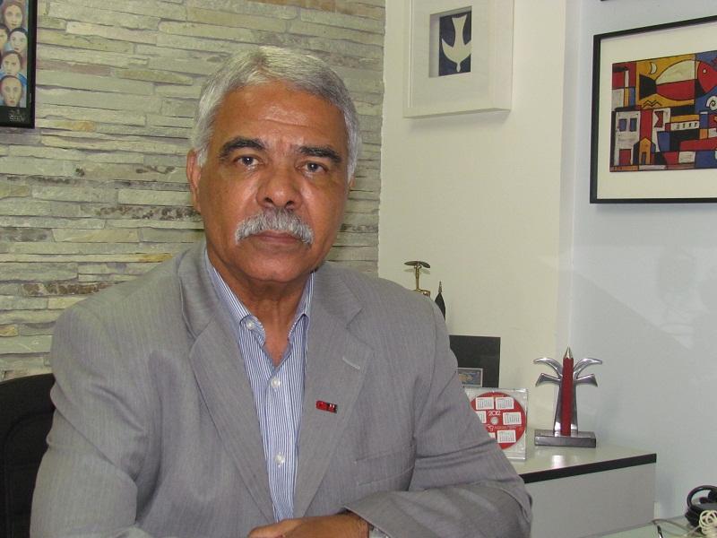 Roberto Leão, presidente da CNTE, fala sobre o lançamento da campanha