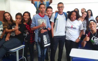Projeto em Niterói (RJ) ajuda jovens carentes a seguirem carreira profissional