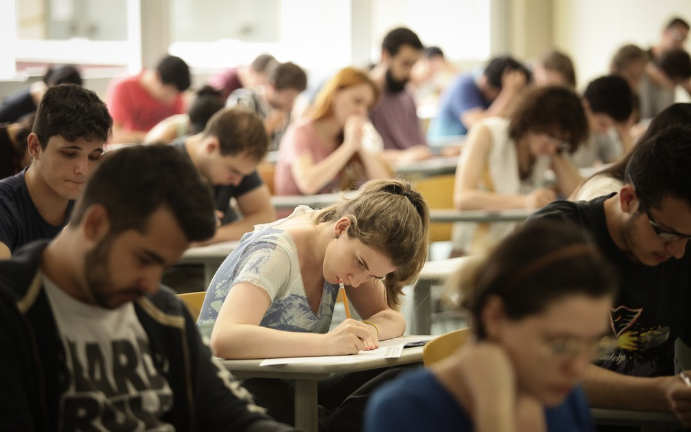 Número de alunos de escola pública aprovados na USP volta a crescer e bate recorde