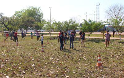Mais de 300 alunos trocam internet por dia de brincadeiras tradicionais em Guajará