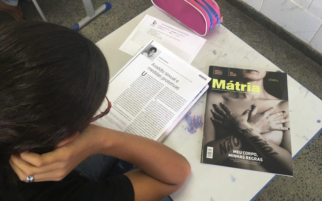 Escola Pública do Recanto das Emas (DF) trabalha a Revista Mátria em sala de aula