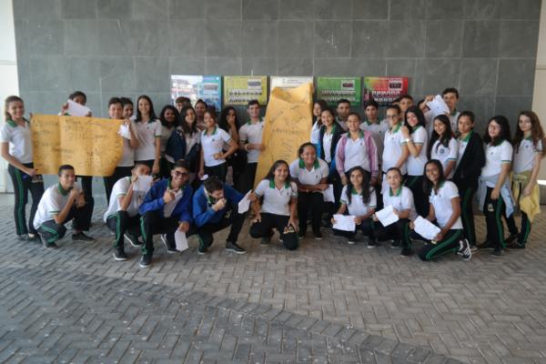 Estudantes de Iguatu (CE) promovem cultura de paz no ambiente escolar e diminuem índices de violência e discriminação