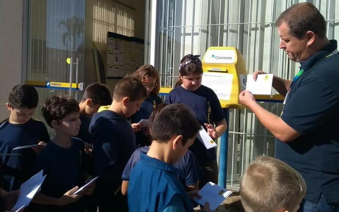 Alunos do RS trocam cartas com estudantes de outros estados em projeto pedagógico
