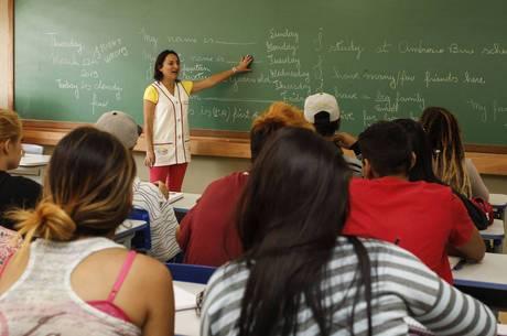 Apenas 2,4% dos jovens brasileiros querem ser professor