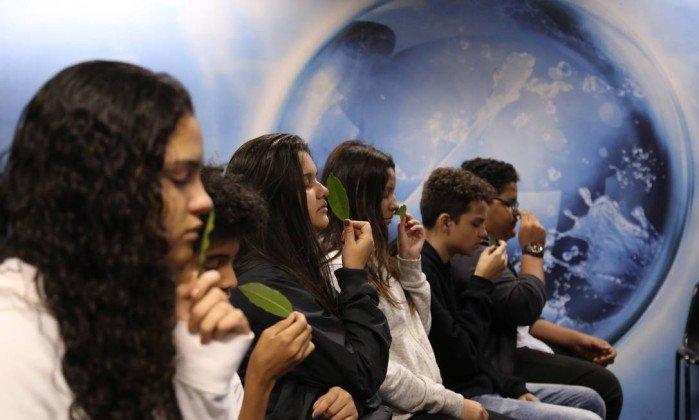 Meditação é adotada em escolas e beneficia crianças e adolescentes