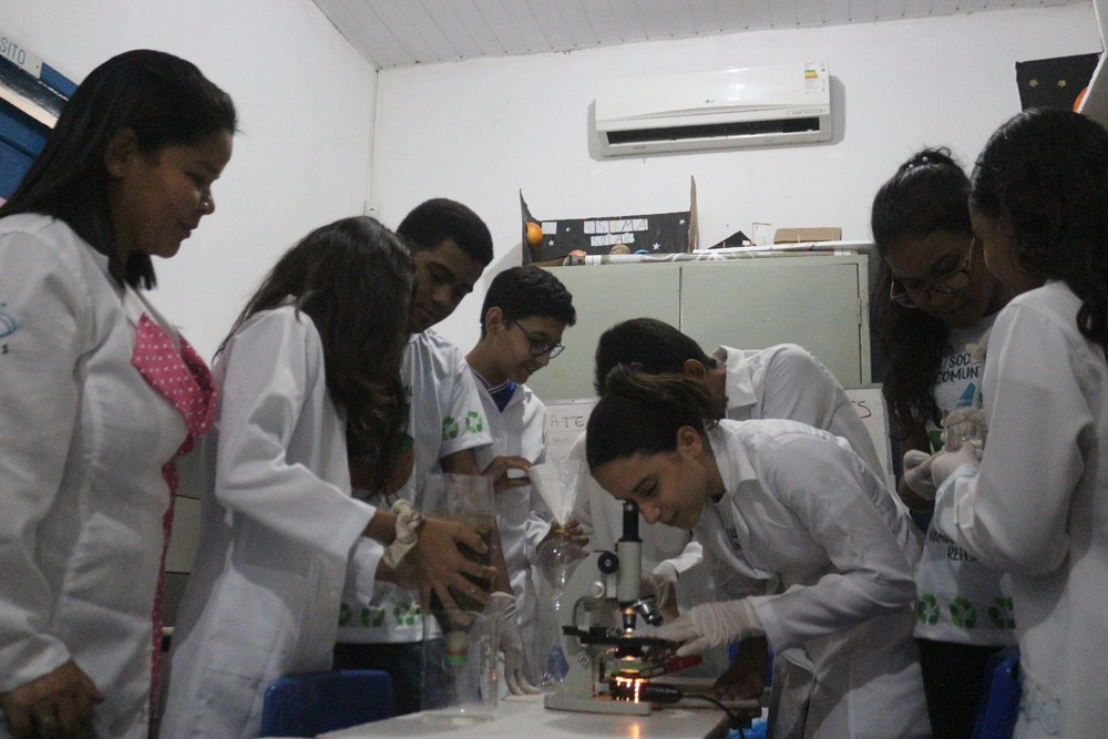 Escolas economizam 10 mil litros de água por mês e reaproveitam óleo para produção de sabão