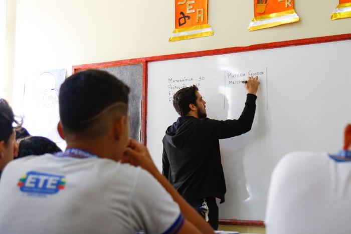 Professores da rede estadual de Pernambuco farão intercâmbio pelo Ganhe o Mundo
