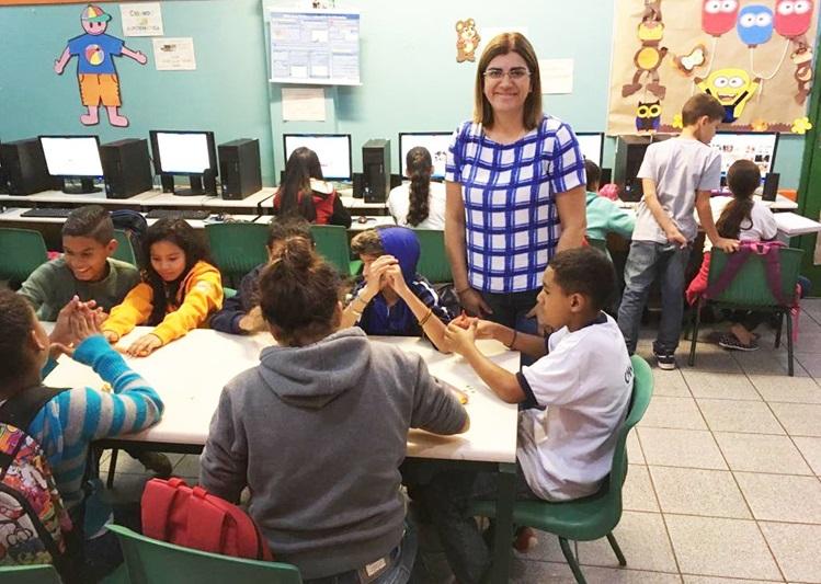 Professora paulista é finalista de prêmio considerado 'Nobel da educação'