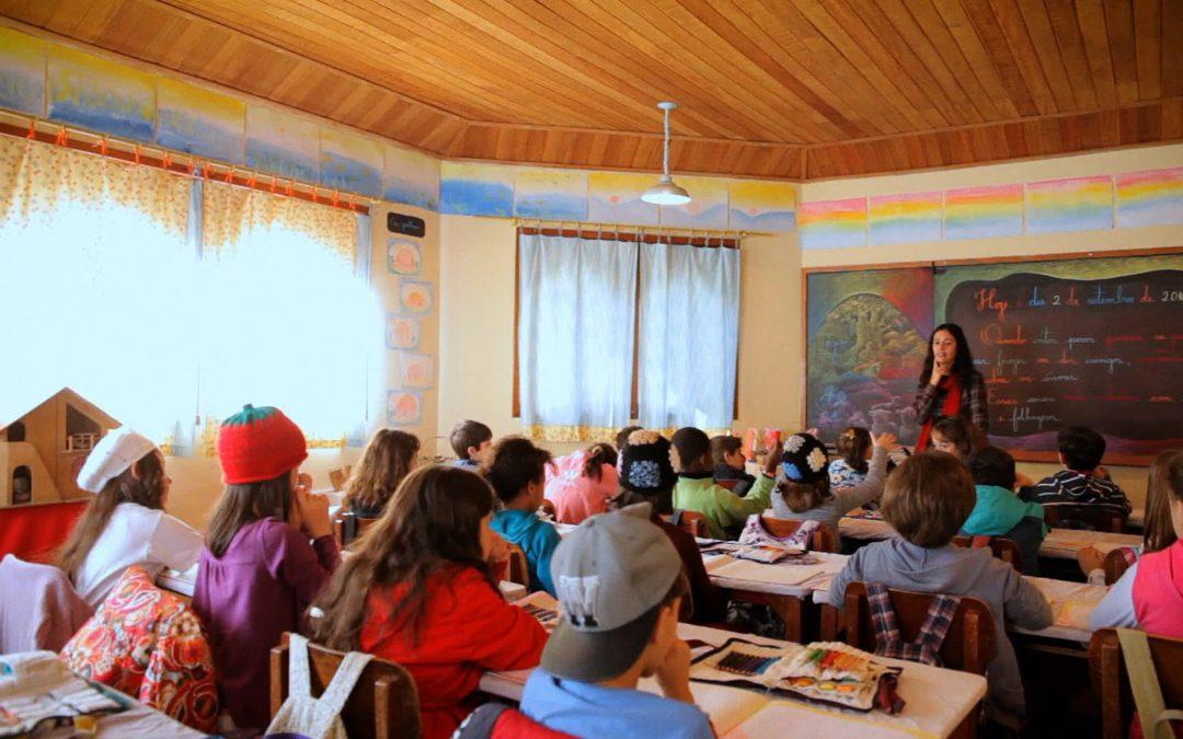 Documentário mostra exemplos de 13 escolas públicas inovadoras e transformadoras no país