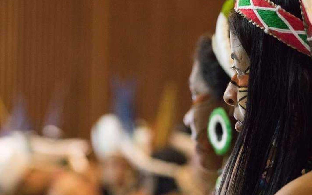 Indígenas das etnias Pataxó, Xakriabá e Pataxó-Hã-Hã-Hãe se formam professores pela UFMG