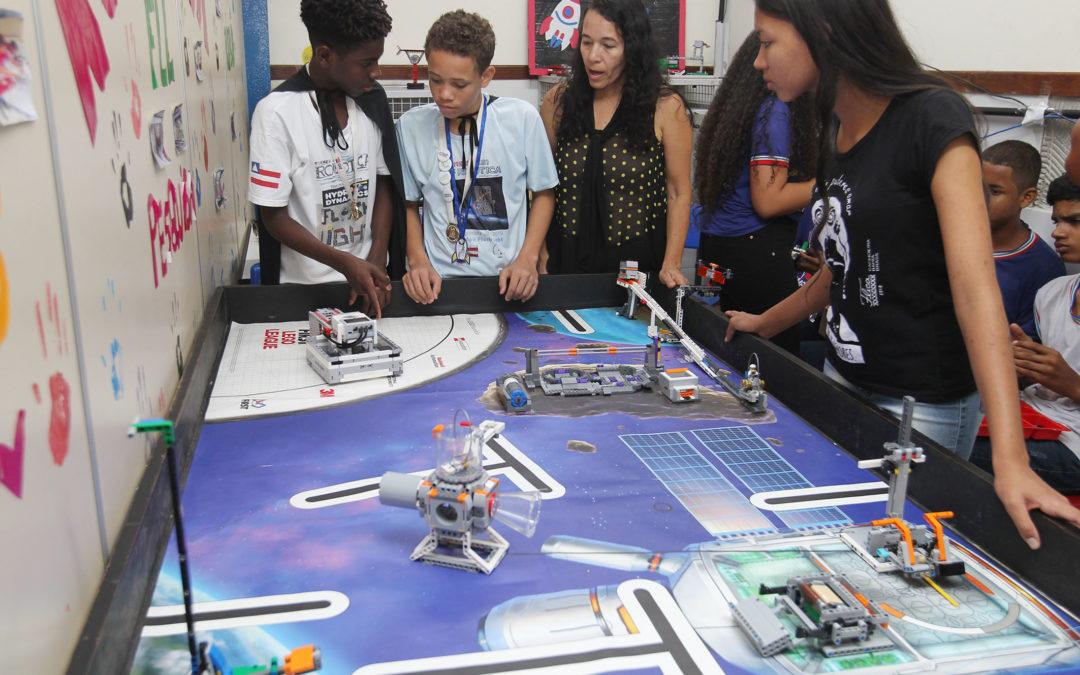 Oficina de Robótica auxilia no desempenho de estudantes da rede estadual