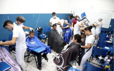 Escola municipal recebe comunidade de Manaus para atendimento social