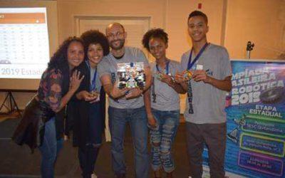 Alunos de escola do Morro do Castro (RJ) se classificam para nacional da Olimpíada de Robótica